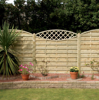 Eyecatcher fence panel in situ